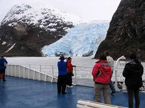 Glaciar desde cruceros australis