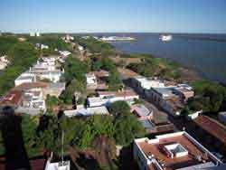 Colonia del Sacramento con su puerto - Colonia, Uruguay