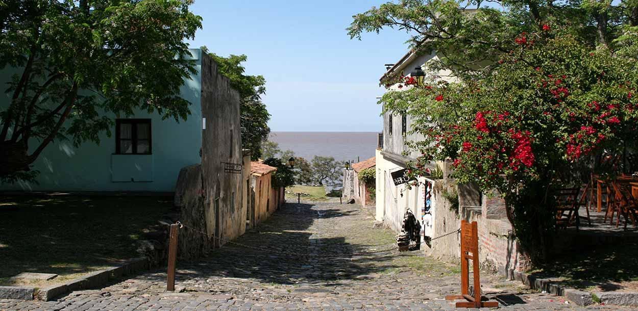 10 Razones para visitar Colonia en Uruguay, desde Buenos Aires