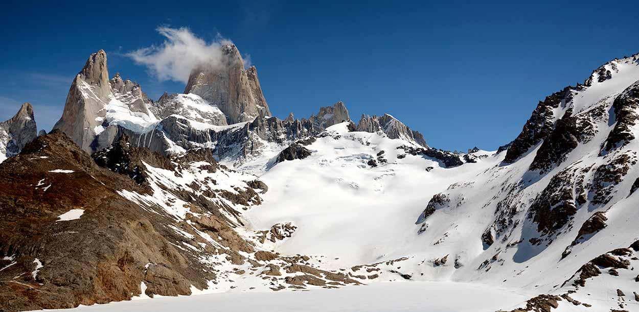 Laguna de Los Tres, helada - Ocho rutas y excursiones de turismo activo en El Chaltén