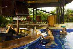 Nayara Hotel, Spa & Gardens: Pool Bar