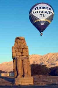 globo sobre Luxor La experiencia es realmente deslumbrante