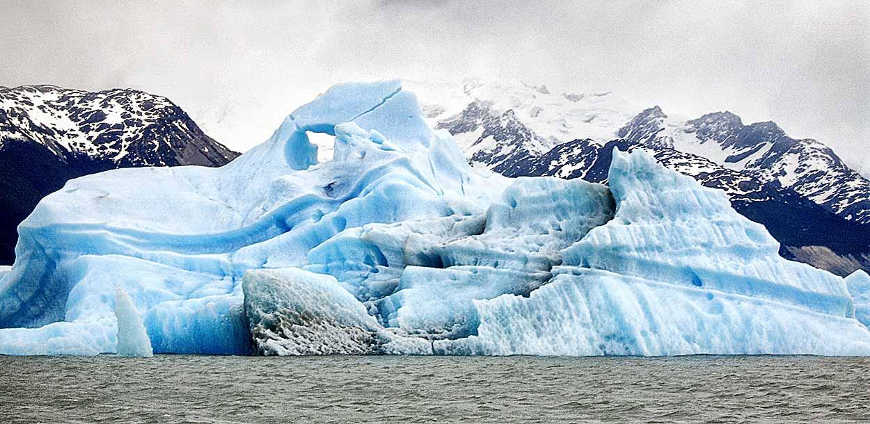 Upsala Kayak Experience - Kayak en el Lago Argentino: iceberg