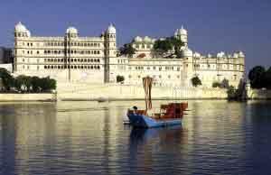 El Palacio del Lago de Udaipur, un deslumbrante palacio de mármol blanco