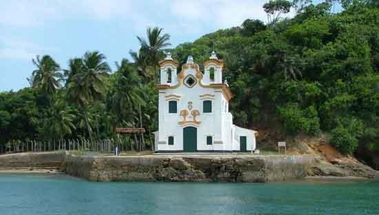 Nossa Senhora do Loreto es una de las iglesias más elegantes y pintorescas de Bahía, de valor arquitectónico excepcional
