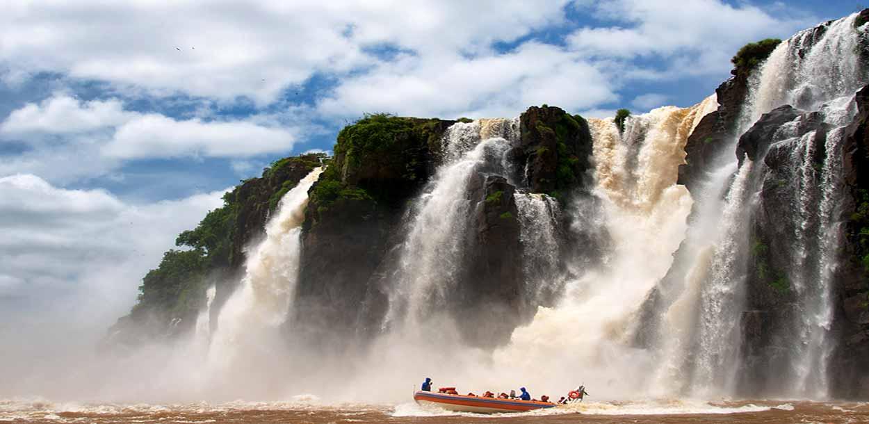 Gran Aventura en Iguazú: las Cataratas y la selva en un único recorrido