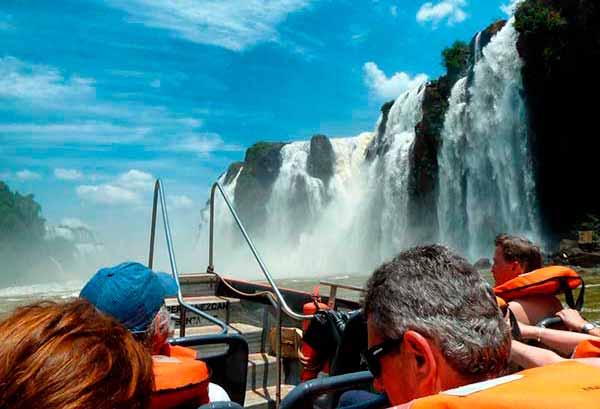 La Gran Aventura en Iguazú: prepárate para mojarte y disfrutar de ello