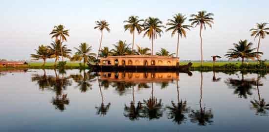 Los Backwaters de Kerala: un mundo anfibio y navegable de singular belleza