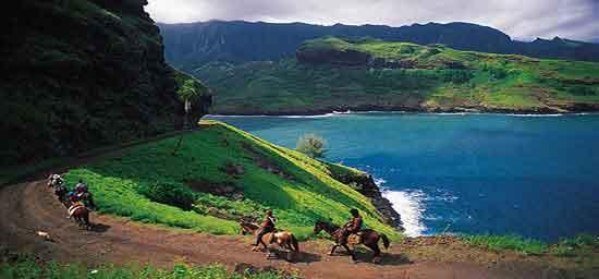 Se recorren combinando tramos en todoterreno, cabalgatas a caballo o rutas de senderismo