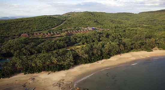 "Swasara, con la playa ""OM"" - YOGA, AYURVEDA Y WELLNESS"