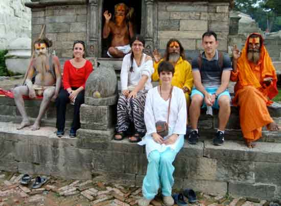 Andrea y Juliana en Katmandú