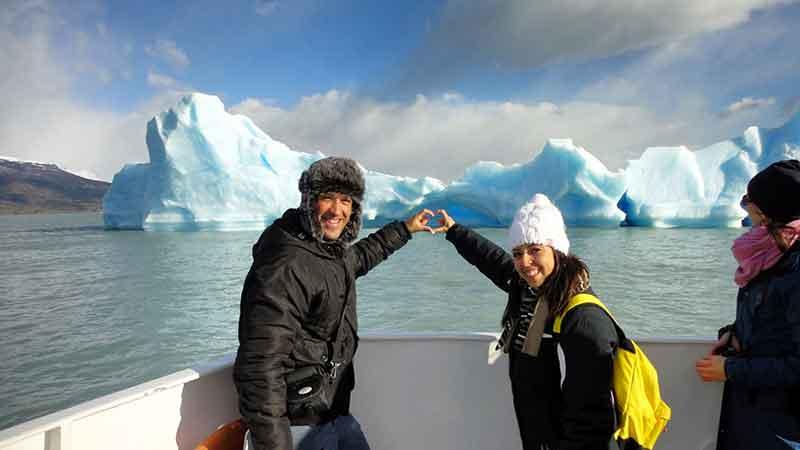 Carlos y Eli navegando Lago Argentino