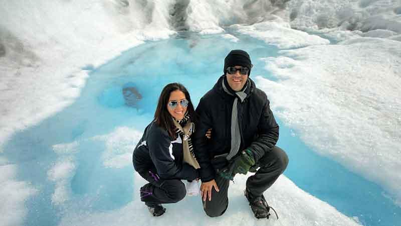 Con crampones sobre el glaciar.