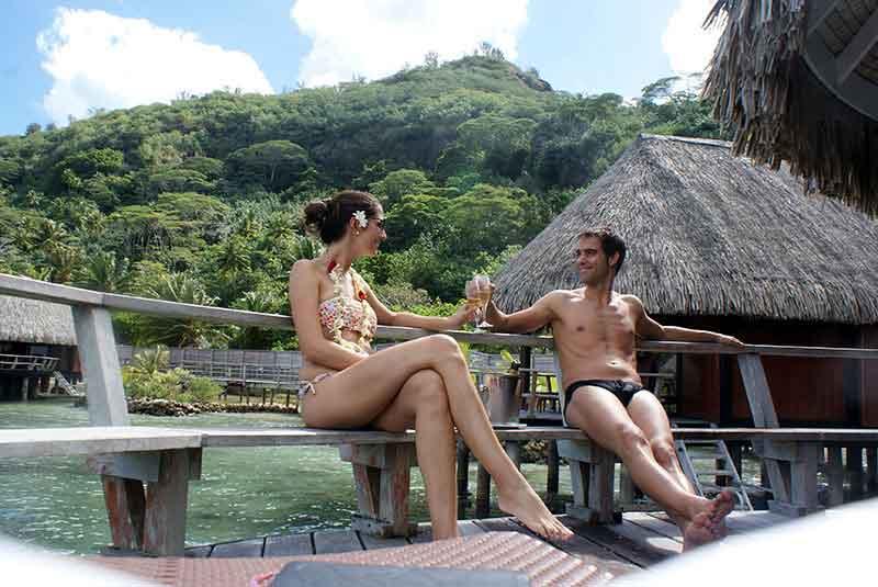 En la terraza del Luxury Overwater bungalow del Sofitel Bora Bora Marara Beach Resort