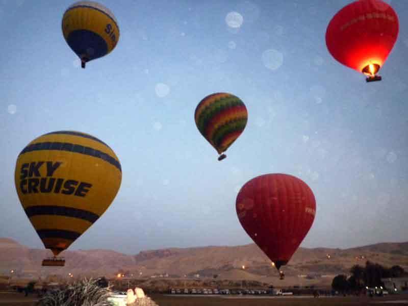 En globo sobre Luxor