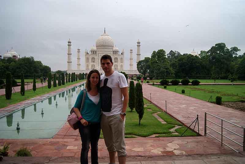 Frente al Taj Mahal