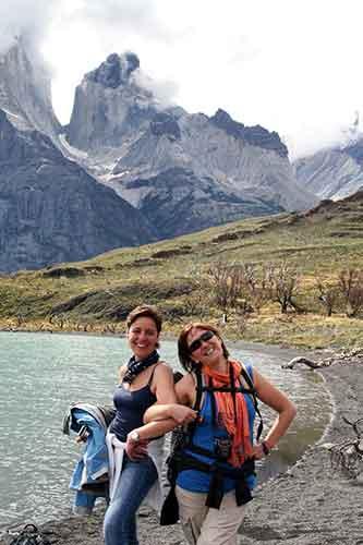 Paloma y Begoña disfrutando el verano austral.