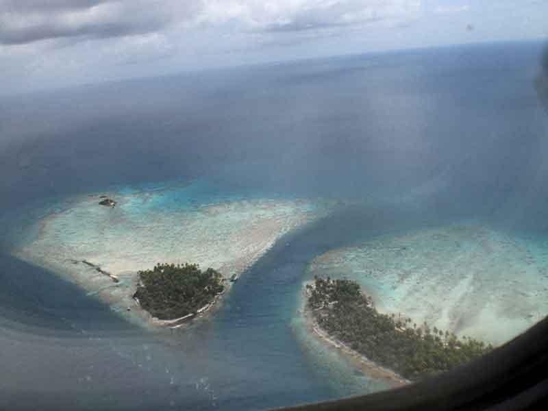 Sobrevolando las Tuamotu