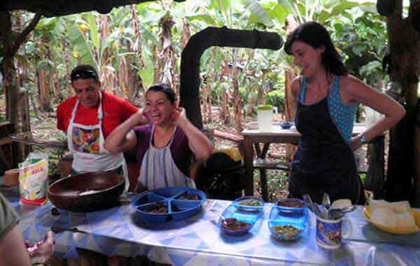 Un viaje de incentivo de empresa a Costa Rica: turismo activo, vivencial y solidario. - Aprendiendo cocina tica.