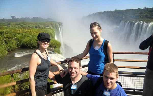 Turismo activo en Argentina - Nerea, Izaro, Pedro y José: Cataratas Iguazú