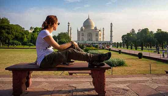 Experiencia de viaje a India y Nepal: - Tour de India y Nepal - Frente al Taj Mahal (Agra)