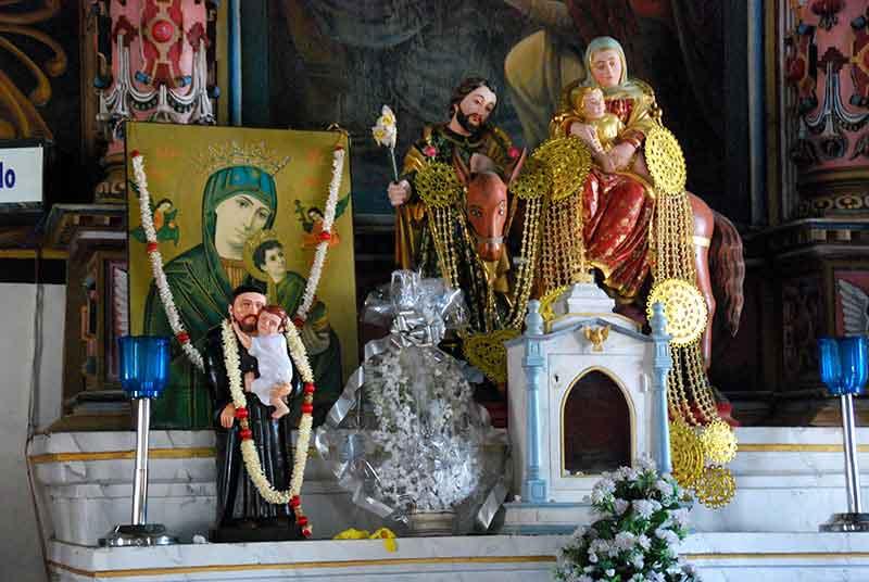 Una piedad popular a múltiples dioses y advocaciones