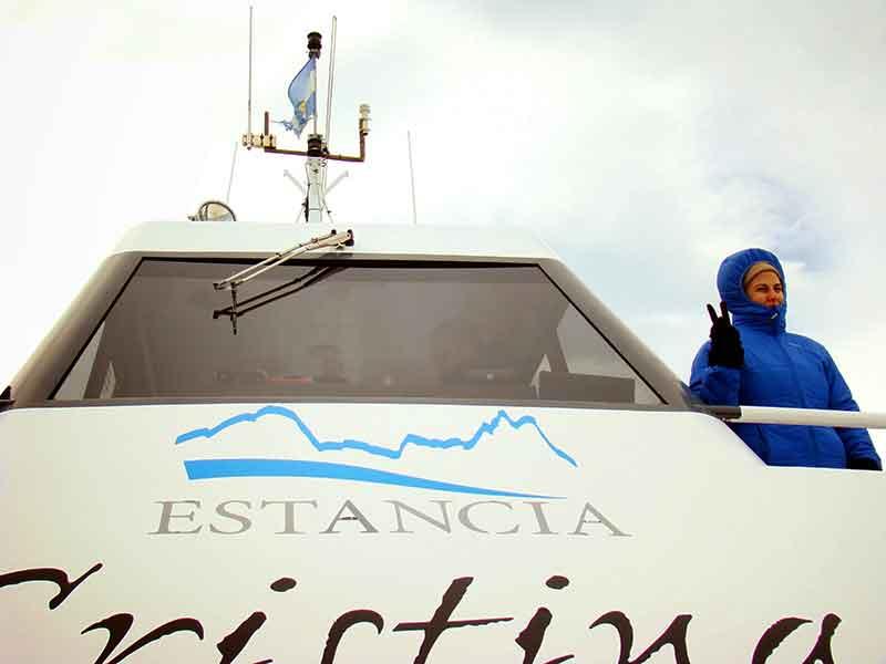 Déborah e Iván. Navegación hacía Estancia Cristina.