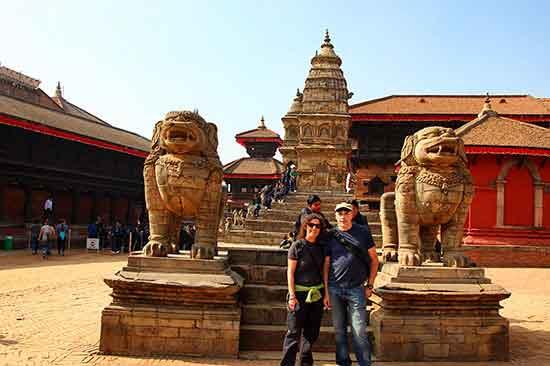 Testimonio de viaje a India y Nepal - Pablo y Petri en Katmandú,