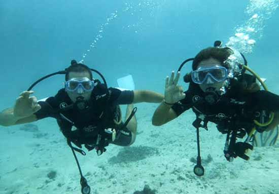 viaje de novios a Polinesia de Lautaro y Ana.