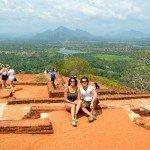 David y Mónica en lo alto de Sigiriya