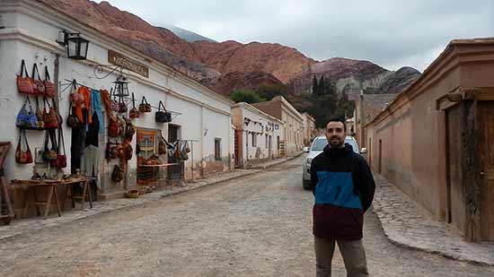 Alvaro en Purmamarca - Viaje de novios a Argentina de Lorena y Álvaro