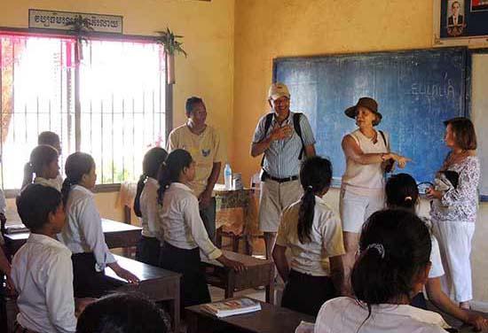 Miguel y familia en Siam Rep (Camboya)