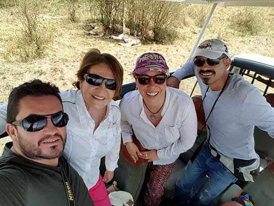 Testimonio del Safari en Kenia de Elsa, César, Diana y Eduar: con una manada de leones de fondo