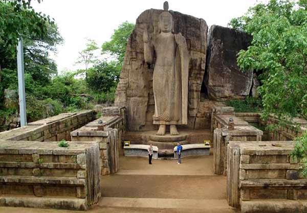 Opinión de Viaje a Sri Lanka de Nacho y Esther: Buda de Aukana