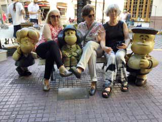 Testimonio de Viaje a Argentina de Ana, Dolores, María Josefa y Pilar: en barrio San Telmo, Buenos Aires
