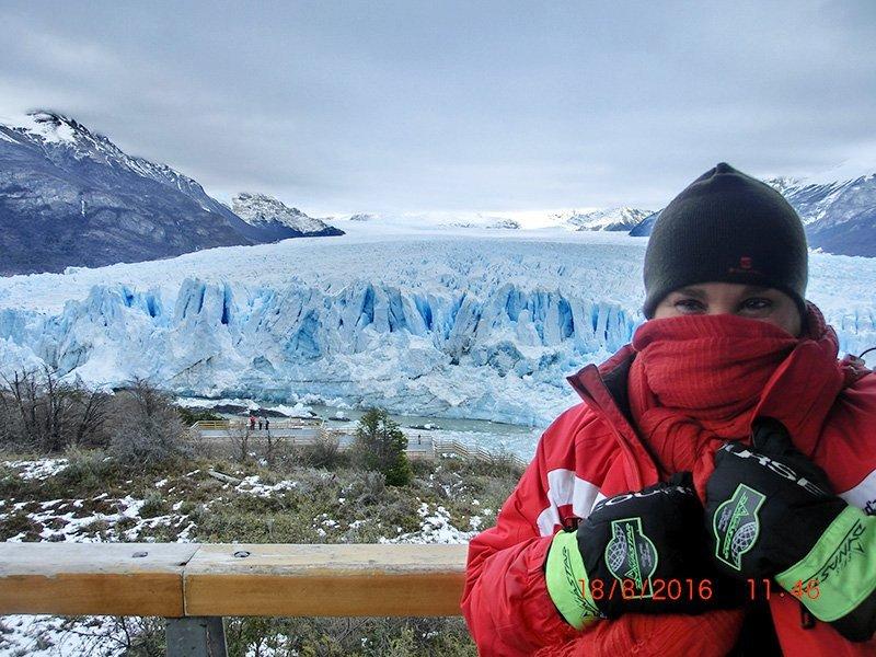 con el glaciar Perito Moreno de fondo