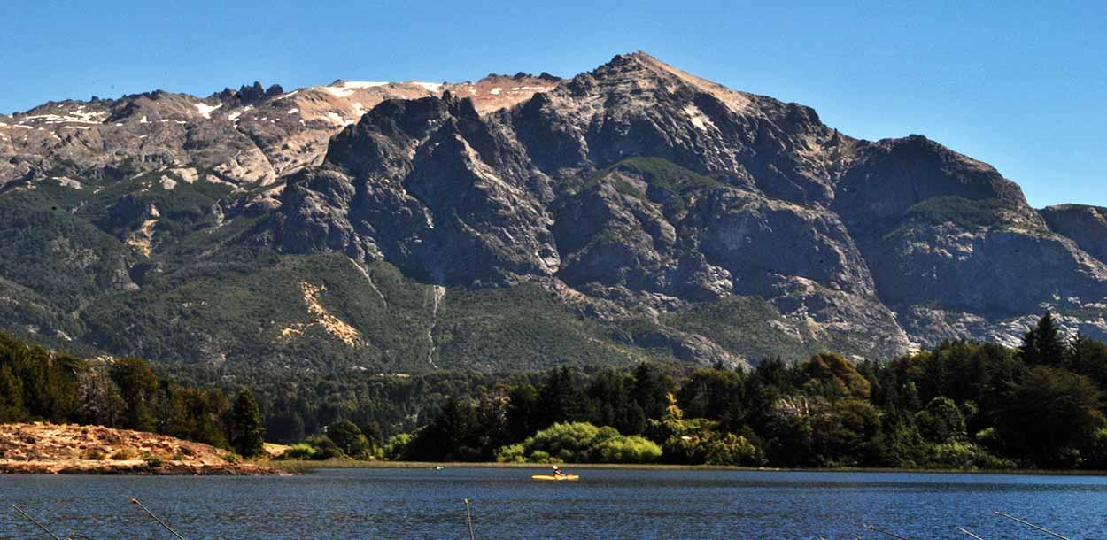 Kayak en lago Nahuel Huapi - Qué hacer en Bariloche