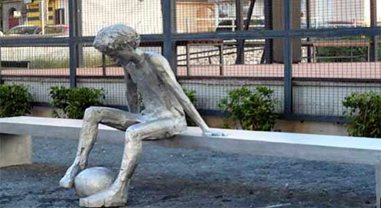 Opinión de Viaje a Croacia de Belén y Miguel Ángel: estatua de Drazen Petrovic, en Sibenik