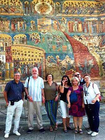 Opinión de Viaje a Rumanía de Paco y amigos: lo que nos ha maravillado han sido las iglesias pintadas de los monasterios de Moldovita, Sucevita y Voronet en la Bucovina. Sólo por ellas el viaje ha merecido la pena.