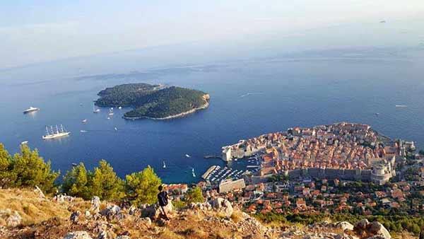 Testimonio de viaje a la costa de Croacia de Elena y familia: Dubrovnik, desde el monte Srdj