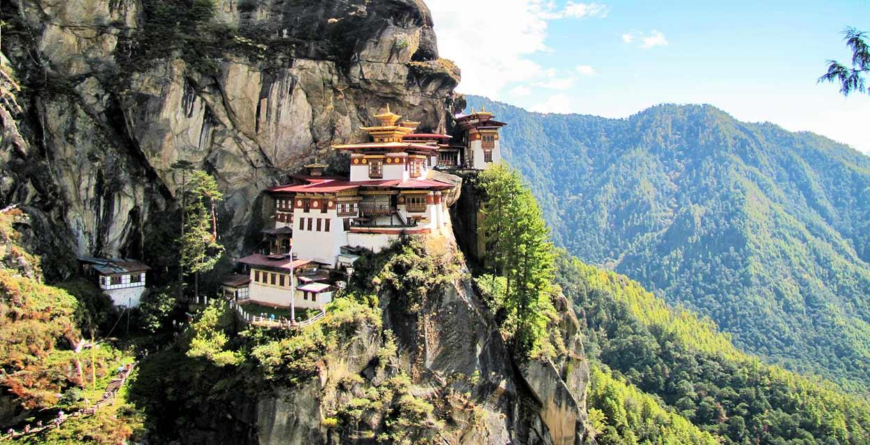 La imagen de Taktsang Lhakhang, turismo de Bután By Chuck Moravec (Tiger's Nest 23) Wikimedia Commons