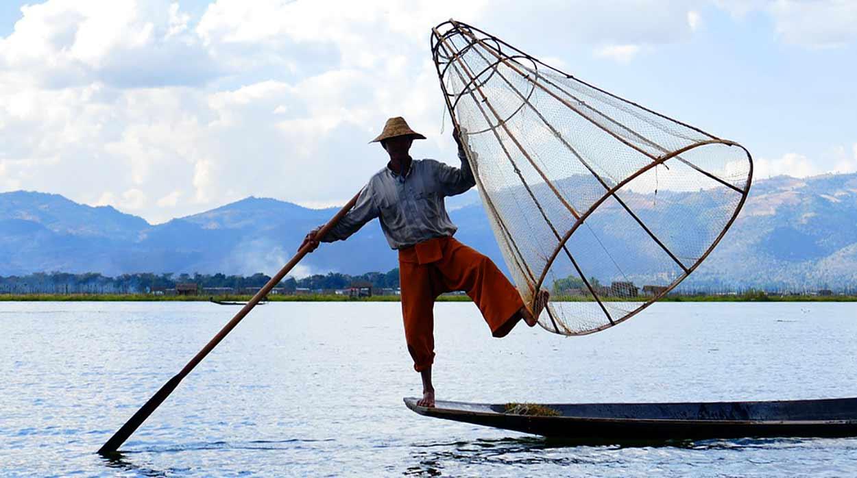 La imagen de los pescadores del Lago Inle es una de las más emblemáticas del Turismo en Myanmar