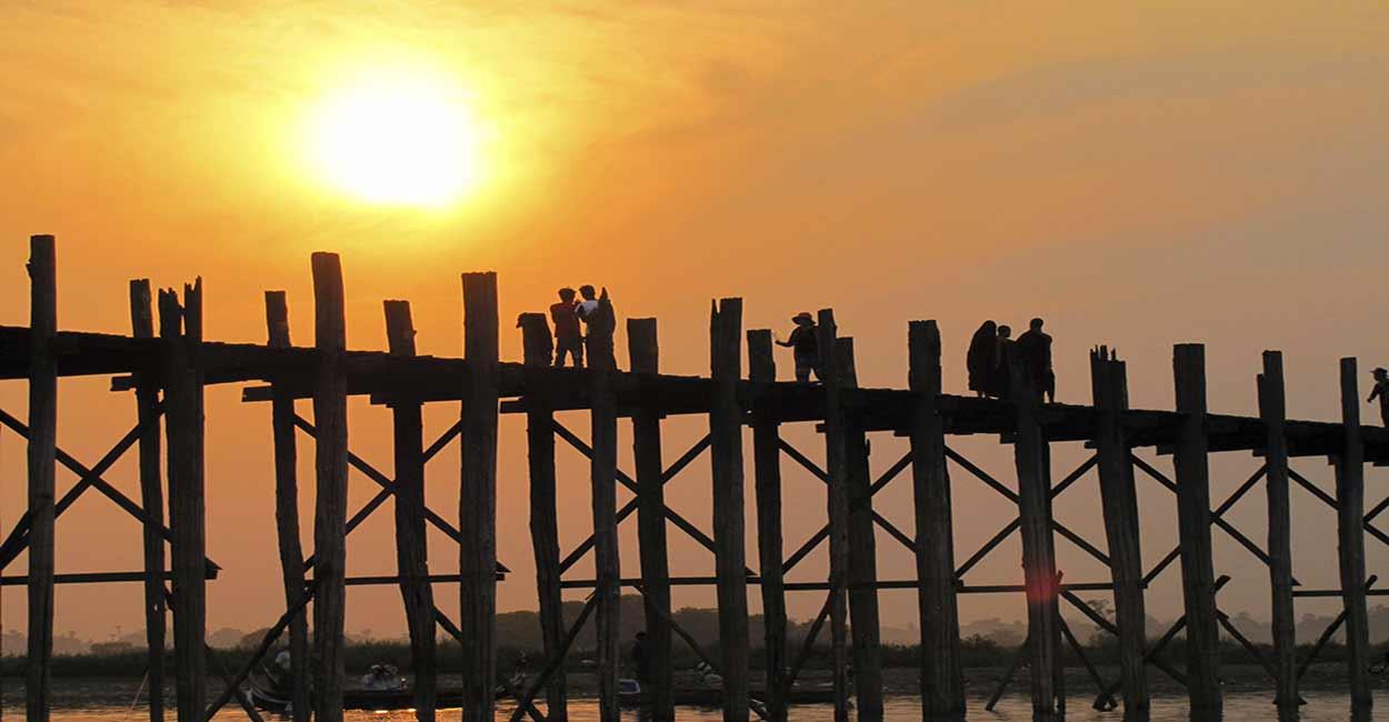 Puente U Bein, otra de las emblemáticas imágenes del Turismo en Myanmar