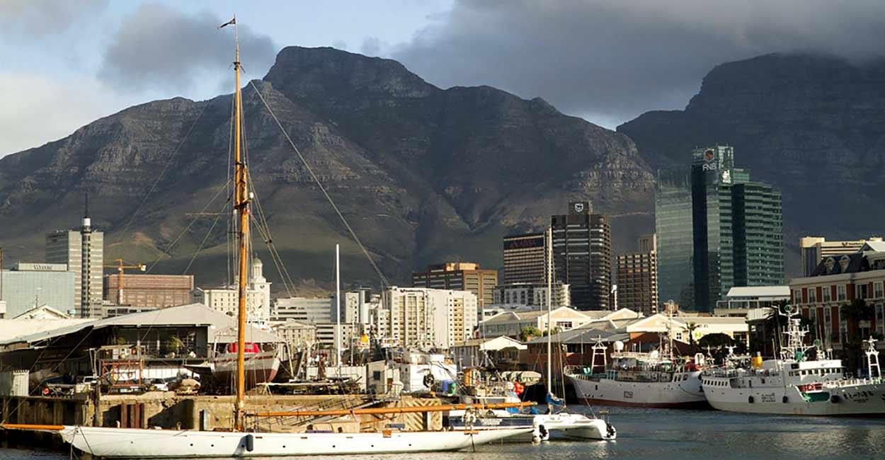 Ciudad del Cabo, la corona del turismo de Sudáfrica, es probablemente una de las ciudades más atractivas del continente africano