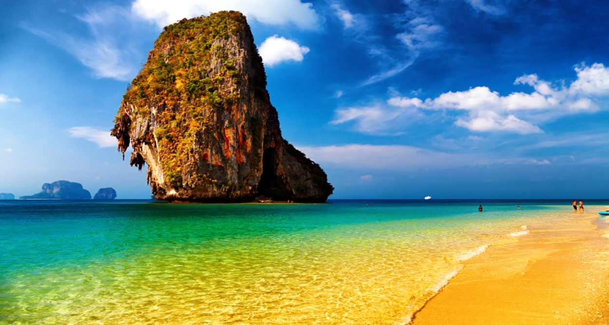 Turismo en Tailandia fue bendecido por más de 3000 kilómetros de costa con playas de impresionante belleza natural