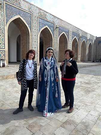 Opinión del viaje a Uzbekistán de Jose, Almudena, Trinidad y Monserrate: todo el mundo parece encantando de hacerse fotos con los visitantes