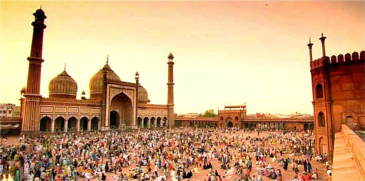 La majestuosa Jami Masjid, la mezquita más grande de la India, una de las visitas imprescindibles en Delhi y turismo de India