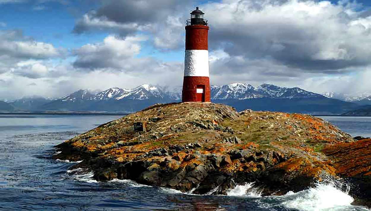 Faro Les Éclaireurs, uno de los símbolos de Ushuaia y de turismo de Argentina