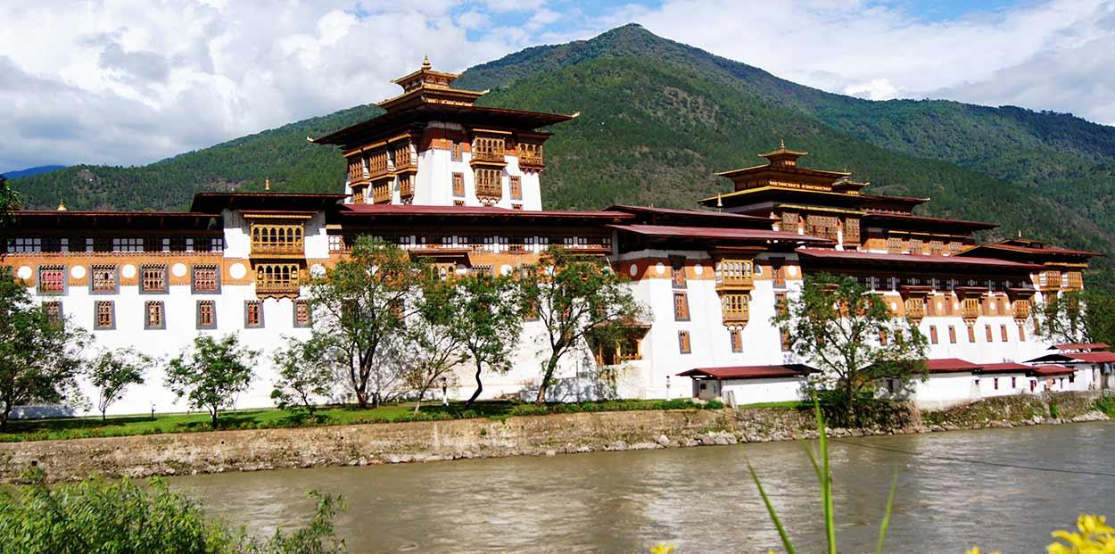 Tour de Nepal y Bután