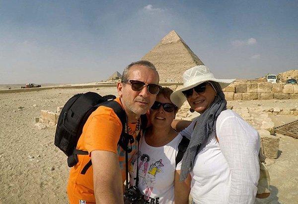"""Testimonio del viaje a Egipto de Fran y Tina: """"Tuvimos el privilegio de tener en todos los recorridos que hicimos en el Cairo a una gran Dama, Amiga y excelente guía! La señora Rehab Hussien!"""""""